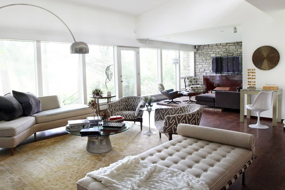 Contemporary seating in rectangular living room layout