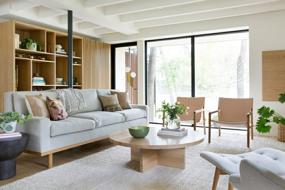 Modern lounge in neutral colors that make a room look bigger