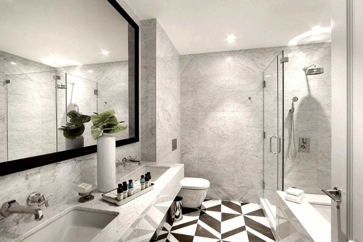 marble and black and white tiles bathroom trends