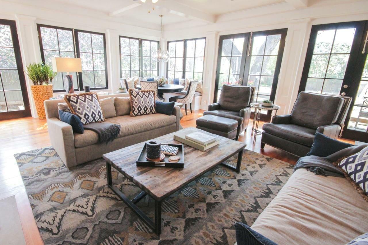 Contemporary living room by one of the top San Antonio interior designers Liz light design