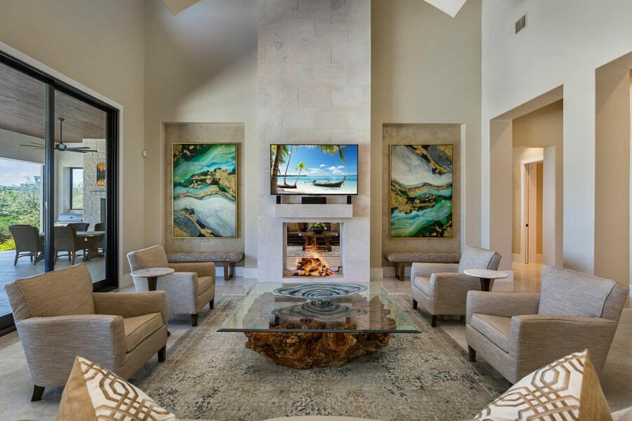 Modern living room by one of the top San Antonio interior designers, Interior edge