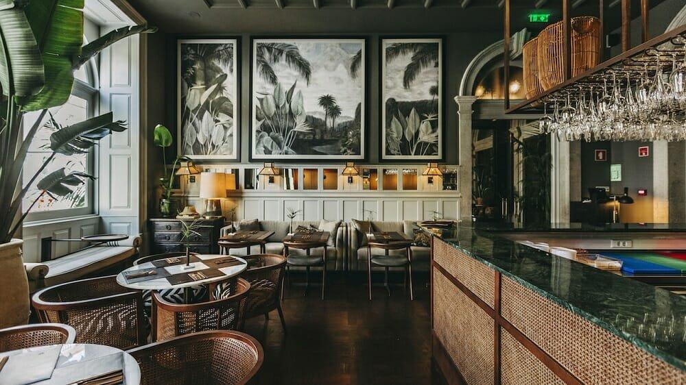 Hotel-dining-room-interior-design-Torel