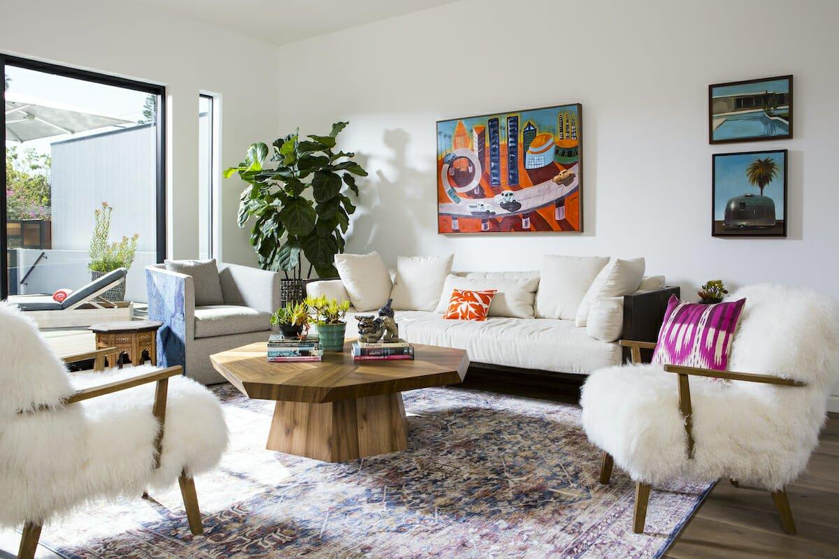 White walls - interior design color trends 2022 - Lori D