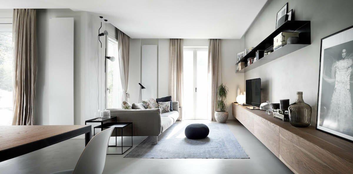 Creative storage solutions for the living room by Decorilla interior designer, Roberto D