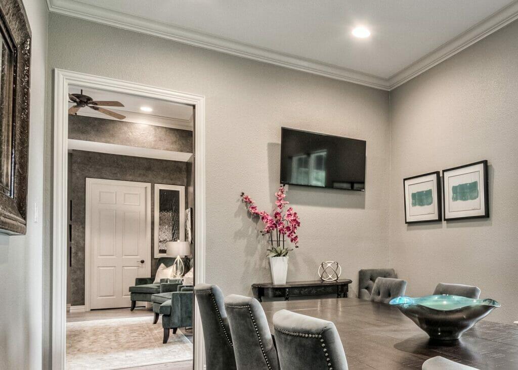 Hire an interior designer Farrha Hyman