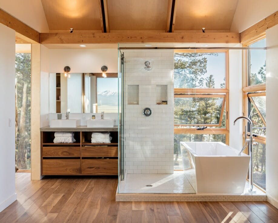 Shower and bath combo as 2022 bathroom trends - Arch Daily