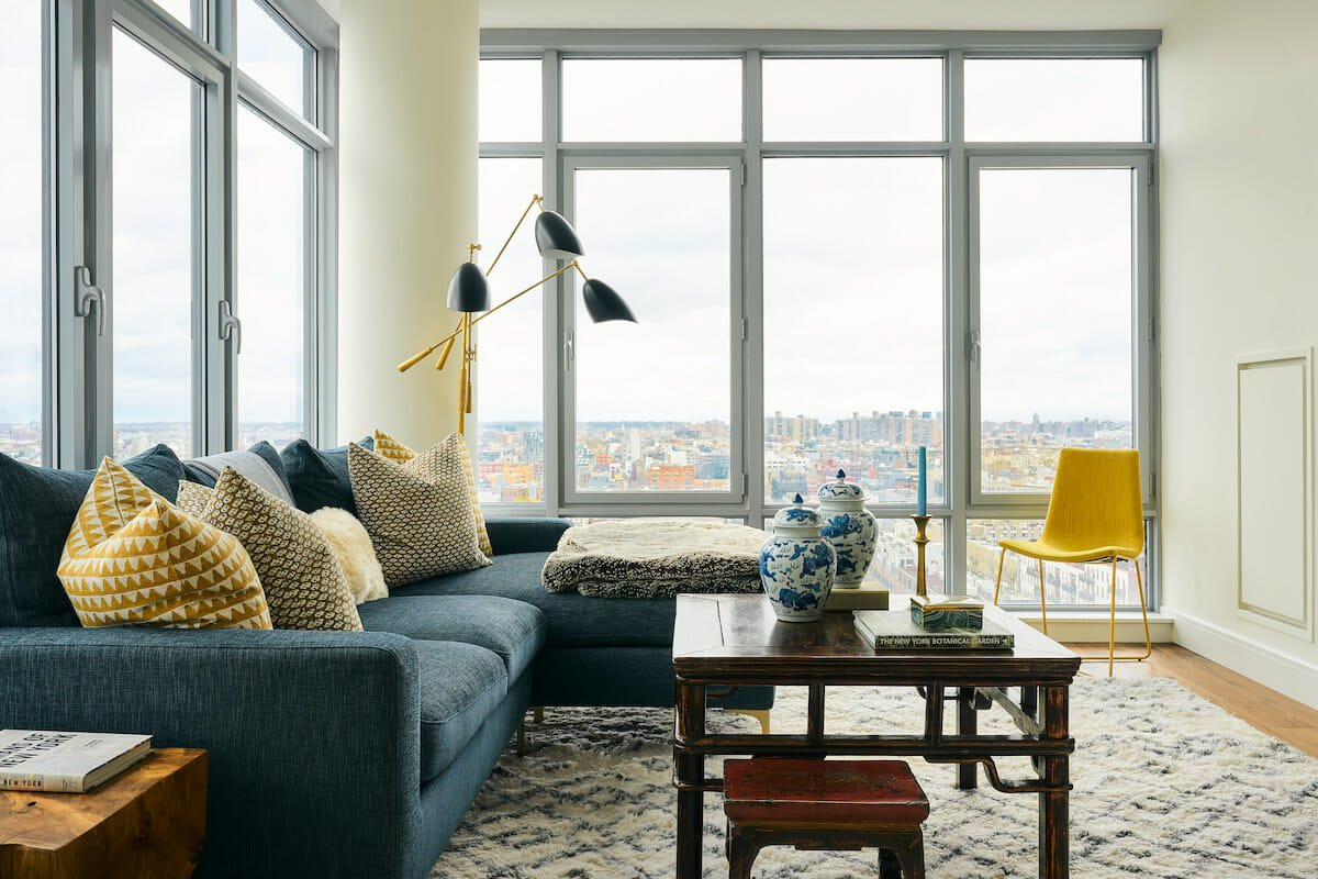How to choose a light rug for a lounge - Samantha S