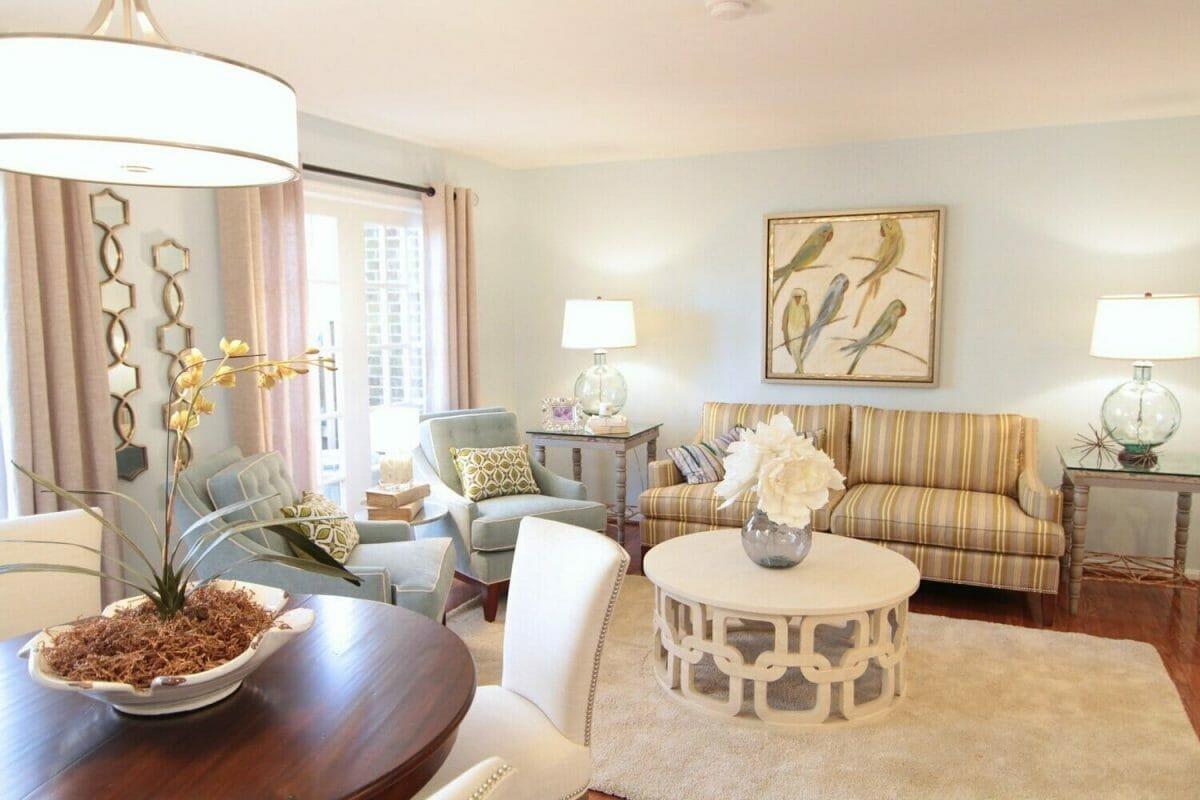 Modern living room by of the top Baltimore interior designers, Liz Dickson